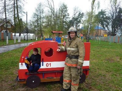 4 есть два типа дыхательного оборудования, которым пользуются пожарные-газодымозащитники
